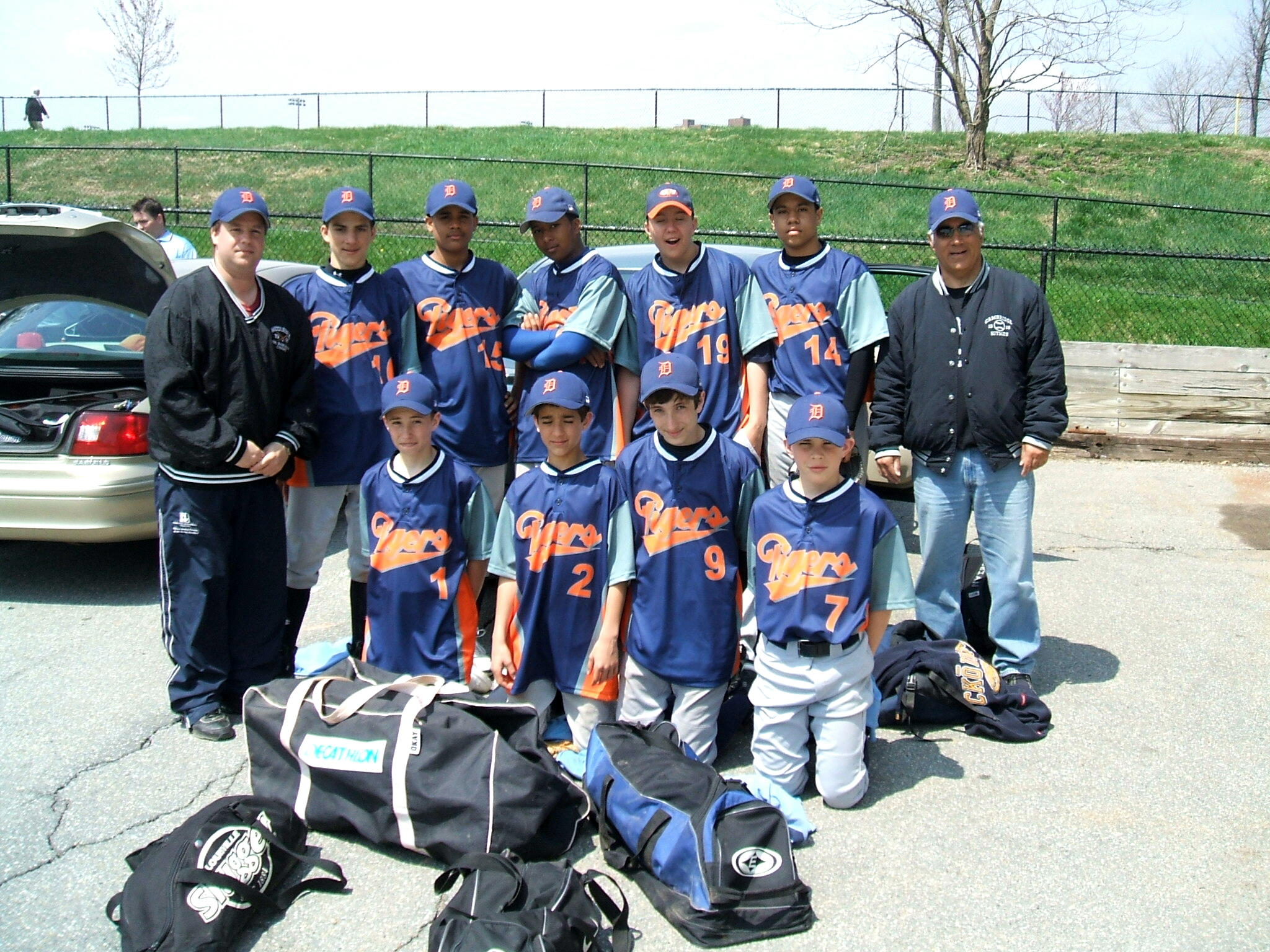 TIGERS TEAM PICTURE